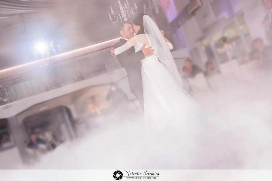 fotograf-nunta-craiova-ziua-nunta-recomandati-locatie-petrecere-cununie-civila-sedinta-foto-fotograf-craiova-valentin-ieremiea (6)