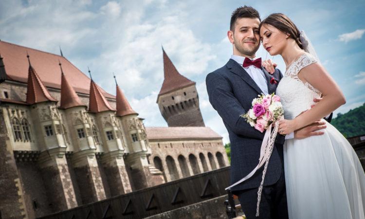 Sedinta foto dupa nunta trash the dress castelul corvinilor, Diana si Sorin